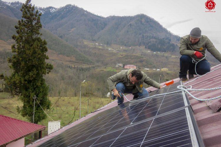 (Georgian) ქსელს მიერთებული მზის მიკრო ელექტროსადგურები საბავშვო ბაღებისთვის