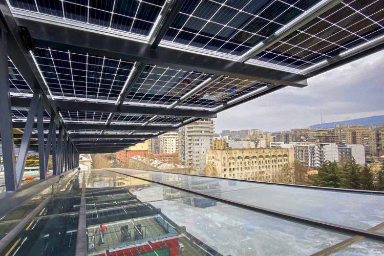 მზის მიკროელექტრული სადგური პროკრედიტ ბანკის სათაო ოფისისთვის