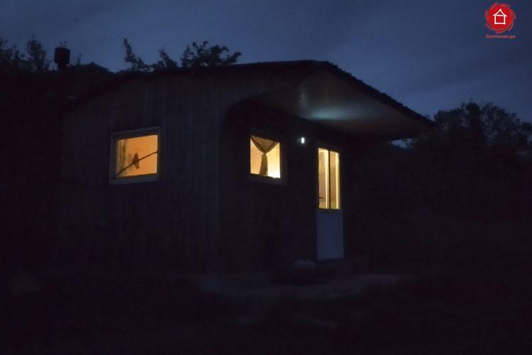 """მზის ავტონომიური ფოტოელექტრული სისტემა """"Picnic side""""-სთვის"""